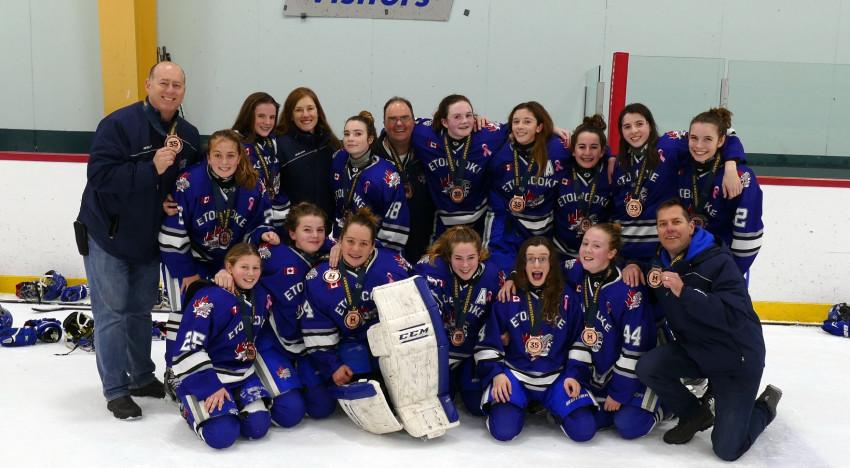 Bantam B Wins Bronze at the Mississauga Christmas Tournament