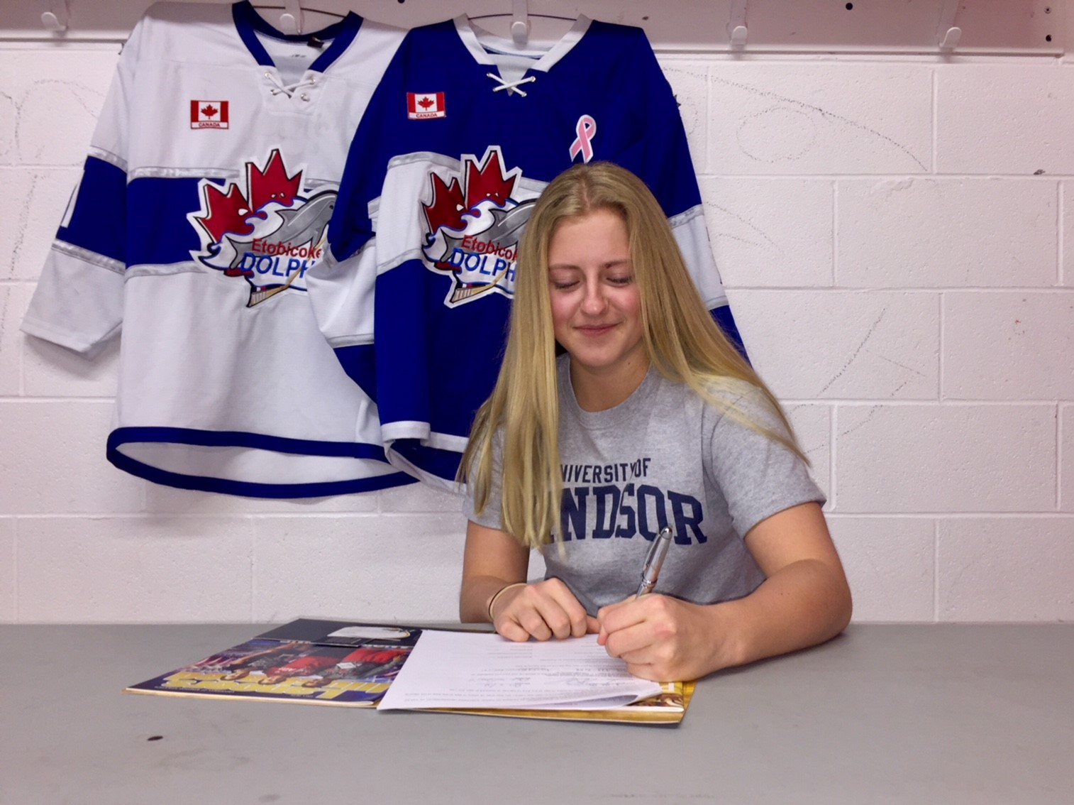 Midget AA Dolphins Dana Morvan signs with University of Windsor